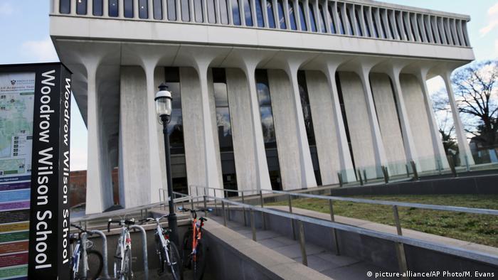 Принстонская школа общественных и международных отношений, которая носила имя президента США Вудро Вильсона до решения Попечительского совета Университета