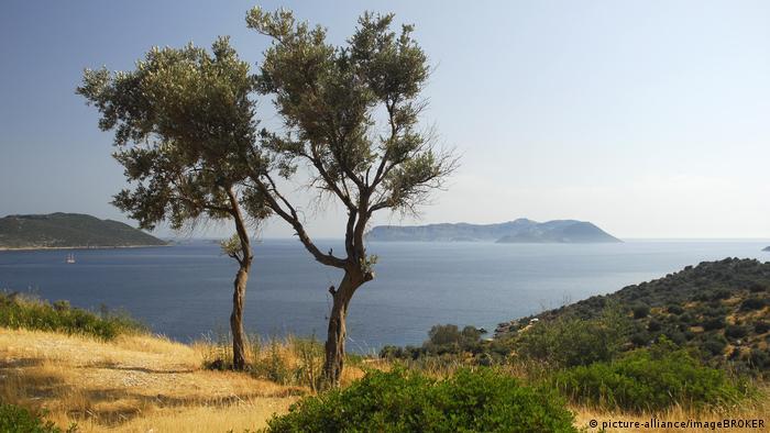 Pogled iz Turske na grčki otok Kastelorizo