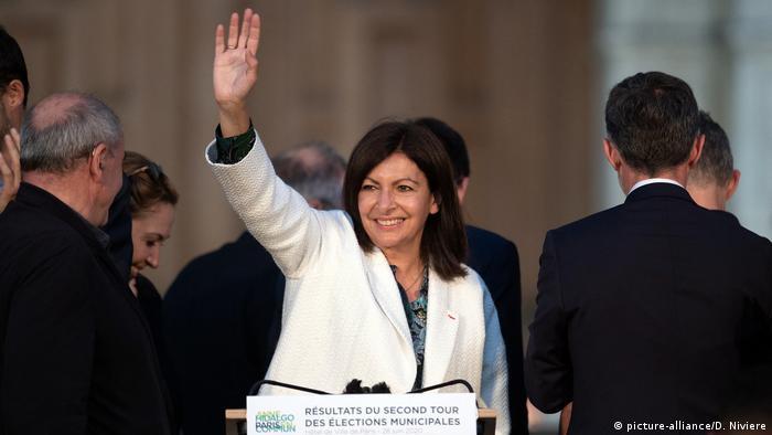 Anne Hidalgo celebrates her reelection