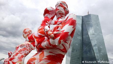 BdTD - Deutschland Frankfurt Kunstinstallation It is like it is (Reuters/K. Pfaffenbach)