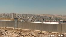 Qualandiya Checkpoint im Vordergrund, dahinter Ramallah. Foto: Tania Krämer/DW Datum: 28.6.2020