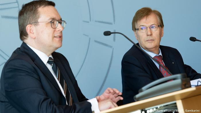 Deutschland Missbrauchskomplex Bergisch Gladbach | Markus Hertmann und Peter Biesenbach (picture-alliance/dpa/F. Gambarini)