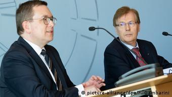 Deutschland Missbrauchskomplex Bergisch Gladbach   Markus Hertmann und Peter Biesenbach (picture-alliance/dpa/F. Gambarini)