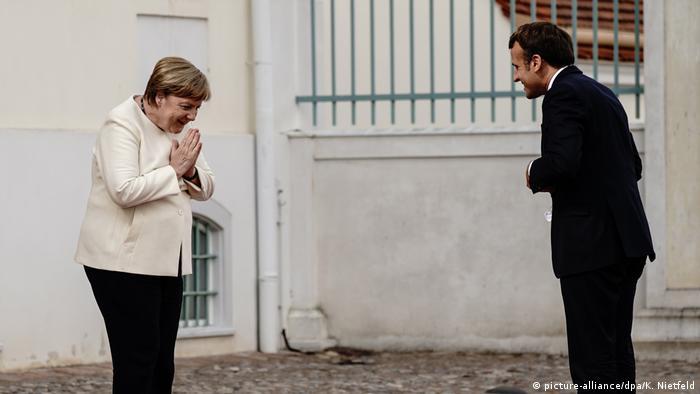 Deutschland Treffen Merkel und Macron im Schloss Meseberg (picture-alliance/dpa/K. Nietfeld)