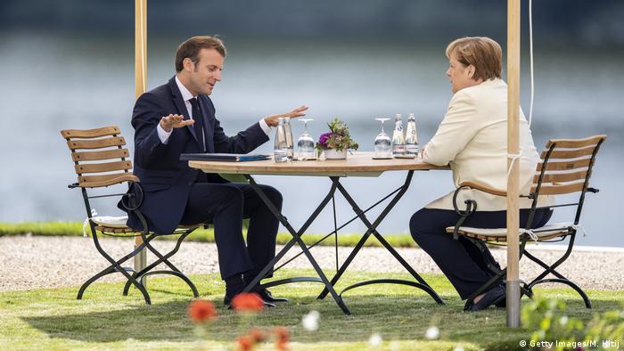 Меркель и Макрон настаивают на принятии плана восстановления экономики ЕС