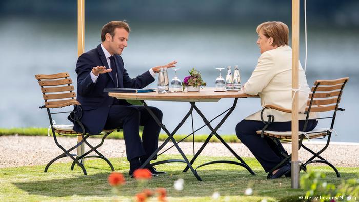 Deutschland Treffen Merkel und Macron im Schloss Meseberg (Getty Images/M. Hitij)