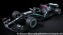 HANDOUT - 26.06.2020, ---: Der Formel-1-Rennwagen Mercedes W11 vom Mercedes-AMG Petronas Formel 1 Team mit schwarzer Lackierung. Mit einer neuen Lackierung will das Formel-1-Weltmeisterteam Mercedes ein klares Zeichen im Kampf gegen Rassismus und Diskriminierung setzen. Weltmeister Hamilton und Vize-Champion Bottas werden in dem fast vollständig schwarzen Auto mit einigen Farbakzenten auf die Jagd nach dem ersten Erfolg nach der Corona-Zwangspause gehen. (zu dpa «Schwarzer Silberpfeil: Neue Lackierung für Formel-1-Mercedes» am 29.06.2020) Foto: MediaPortal Daimler AG/dpa - ACHTUNG: Nur zur redaktionellen Verwendung im Zusammenhang mit der aktuellen Berichterstattung und nur mit vollständiger Nennung des vorstehenden Credits +++ dpa-Bildfunk +++ |