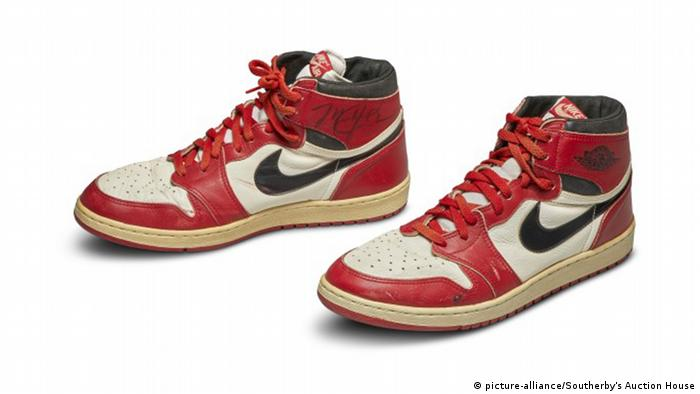 BG I Sneakers I Turnschuhe I Nike (picture-alliance/Southerby's Auction House)