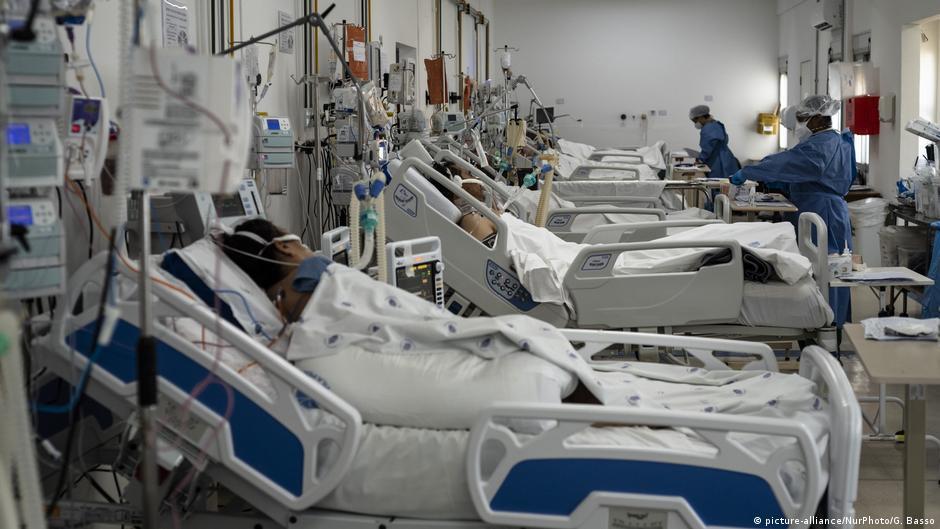 Brasil teria seis vezes mais infectados que o notificado | DW | 03.07.2020