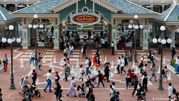 Japan | Wiedereröffnung Disneyland Tokio (Reuters/Issei Kato)