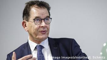 German Development Minister Gerd Müller (Imago Images/photothek/J. Schmitz)
