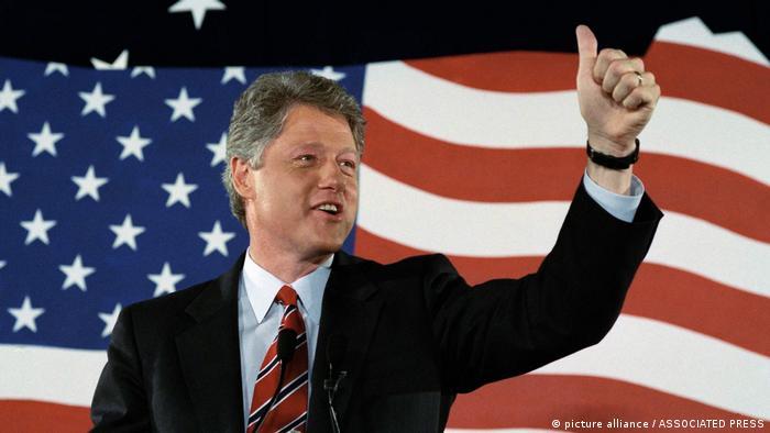 الرئيس الأسبق بيل كلينتون في لوس أنجيليس عام 1992