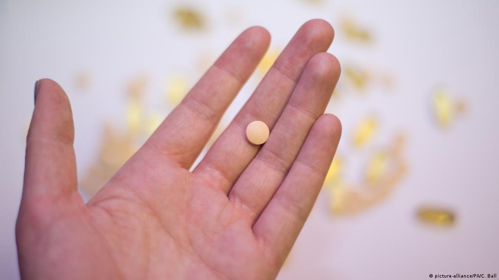 Говорят, витамин D защищает от коронавируса. Это действительно так? |  Коронавирус нового типа SARS-CoV-2 и пандемия COVID-19 | DW | 20.11.2020