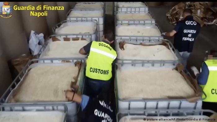 ۱۴ تن آمفتامین کشف شده در بندر سالِرنو، در جنوب ایتالیا