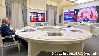 Wladimir Putin I Videokonferenz mit Türkei und Iran (Getty Images/AFP/A. Druzhinin)
