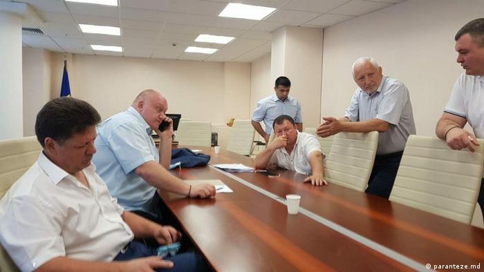 Ștefan Gațcan cu deputaţi PSRM