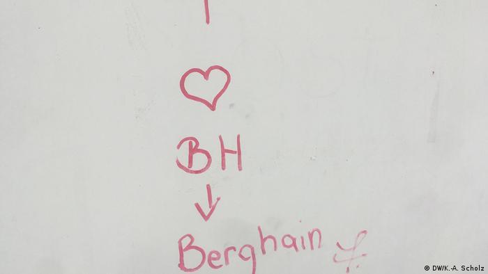 Sign reading 'I love Berghain'