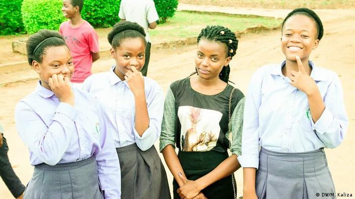 Malawi Lilongwe | High School-SchülerInnen