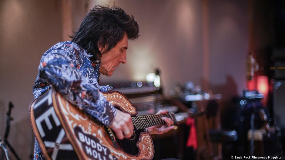 Documentary reveals intimate portrait of The Rolling Stones' Ron Wood | DW | 09.07.2020