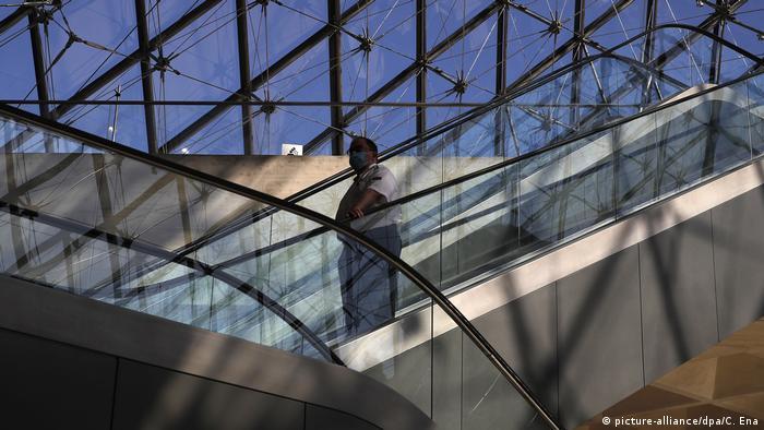 Охоронці музею слідкуватимуть за дотриманням заходів безпеки