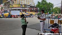 Indien Kalkutta   Mund-Nasenschutz im Alltag