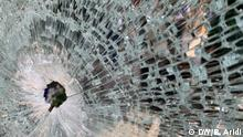 Libanon Selbstmord Alhamra Street Beirut. Broken window hit by the bullet fired . Photo: Bassel Aridi / DW am 3.7.2020