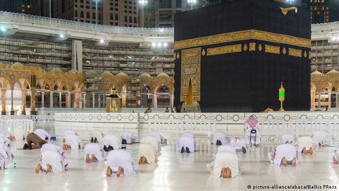 Saudi-Arabien Mekka | Gebet mit Social Distancing