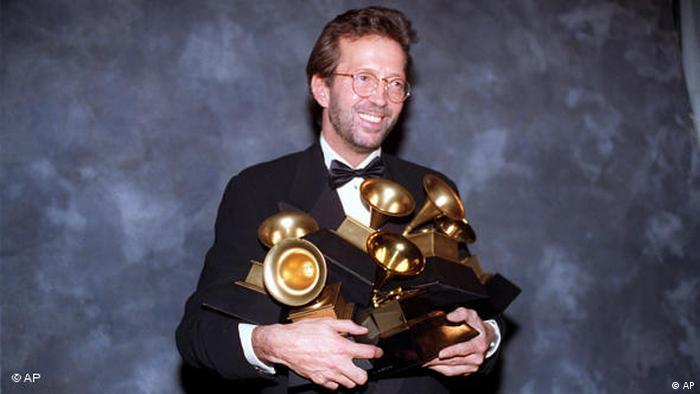 اریک کلپتون در طول فعالیت هنری خود جوایز بسیاری به دست آورده است. ۲۰ جایزه معتبر گرمی در کارنامه افتخارات این آهنگساز، گیتاریست و خواننده مشهور به ثبت رسیده است.