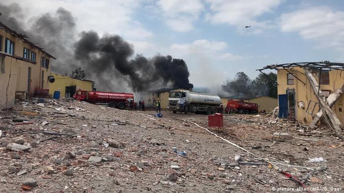 Türkei Sakarya Explosion in Feuerwerksfabrik (picture-alliance/AA/G. Ozer)