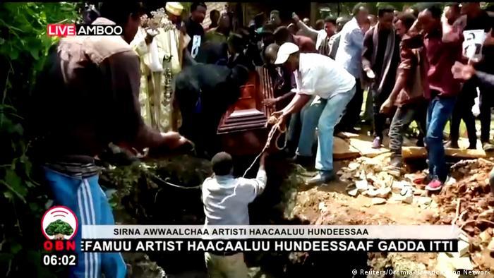 Ethiopian musician Haacaaluu Hundeessaa being laid to rest in Ambo