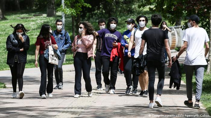 Üniversiteli işsizlerin sayısı hızla artıyor