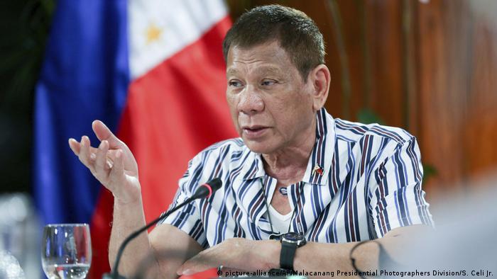 Der philippinische Präsident Rodrigo Duterte verlängerte das Flugverbot aus Großbritannien
