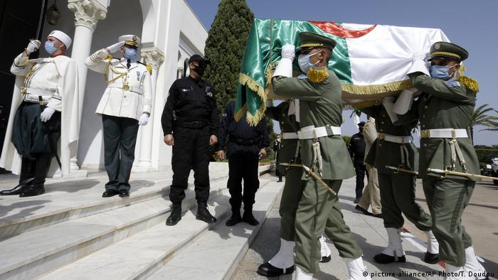 استعادة رفات جزائريين