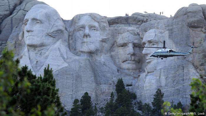 Mount Rushmore sa uklesanim američkim predsjednicima.