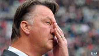 Bayern Münchens Trainer Louis van Gaal (Foto: AP)
