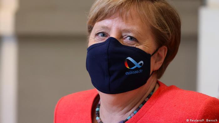 صدراعظم آلمان زیر ماسک؛ اقدامی برای هشدار نسبت به خطر جدی کرونا