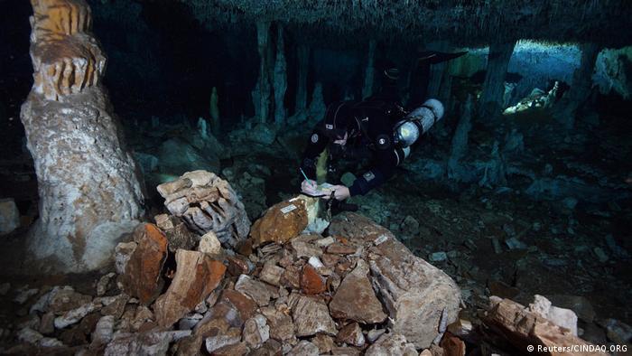 Mexiko Yucatan Ockermine in Höhle entdeckt