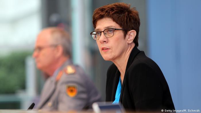 Annegret Kramp-Karrenbauer, savezna ministrica obrane