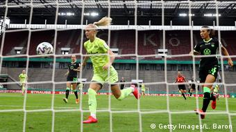 Lea Schüller's goal in the first minute got Essen off to a great start