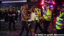 Police in London break up a fight (Getty Images/P. Summers)