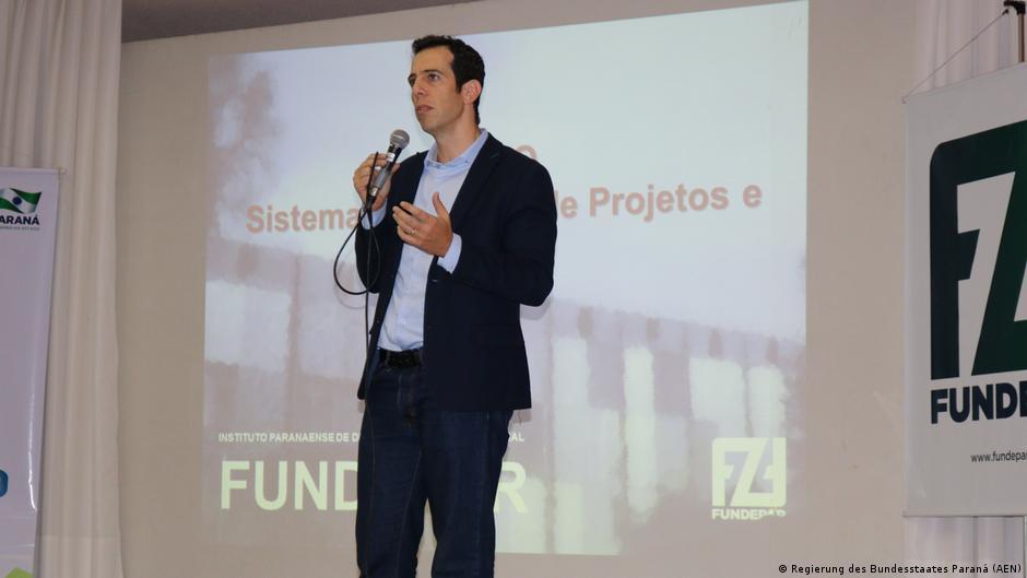 Após sofrer ataques, Renato Feder recusa convite para assumir MEC   DW   05.07.2020