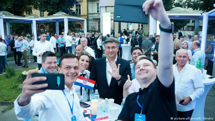 Parlamentswahlen in Kroatien I Andrej Plenkovic (picture-alliance/S. Strukic)
