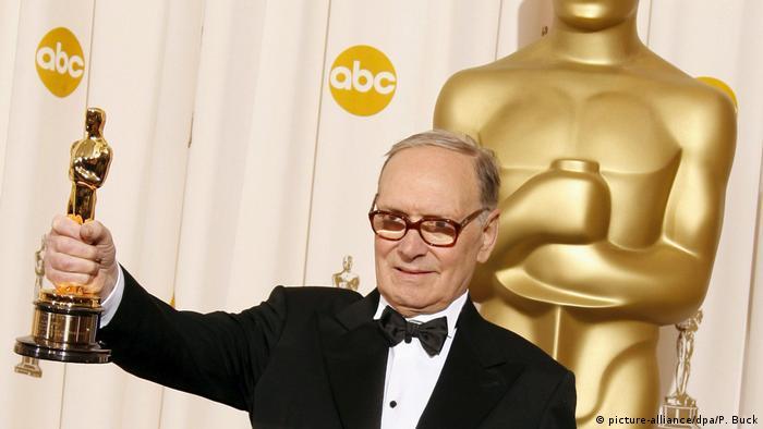 Morricone 2007 Oscarlarında ''Onur Ödülü''ne layık görülmüştü.