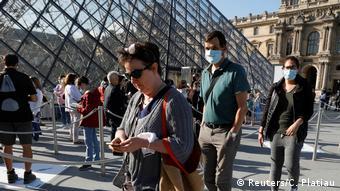 Frankreich Corona-Pandemie | Louvre Wiedereröffnung (Reuters/C. Platiau)
