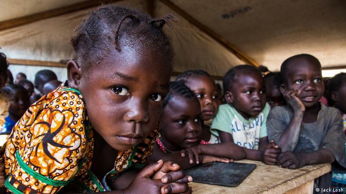 Zentralafrikanische Republik Kinder (Jack Losh)