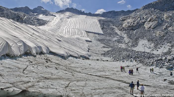A glacier in Trentino covered with insulating tarps