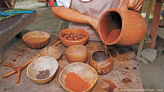 Producción de chocolate en México.