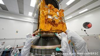 رغم تواضع قطاع الفضاء الإماراتي فإن نجاحاته جيدة وخاصة في مجال مراقبة كوكب الأرض