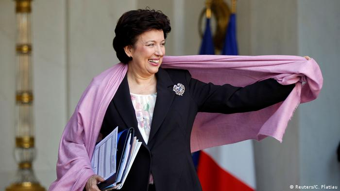 French Culture Minister Roselyne Bachelot-Narquin leaves the Elysee Palace in Paris November 30, 2010.