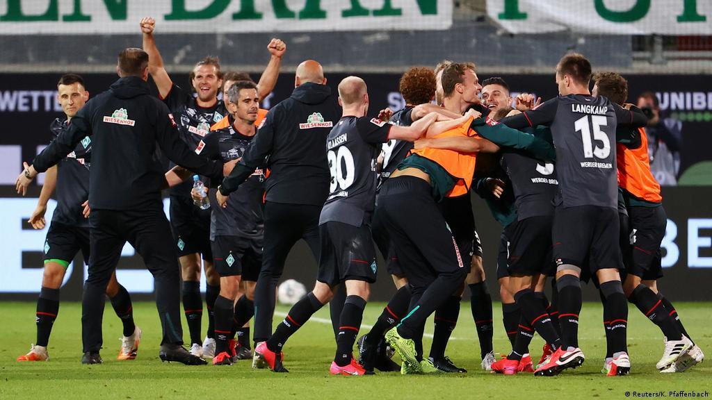 Relegation Playoff Werder Bremen Retain Bundesliga Status On Away Goals Sports German Football And Major International Sports News Dw 06 07 2020